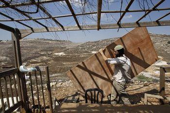 Reuters_sukkah